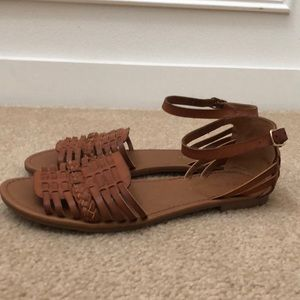 New Cityclassified s Sandals Size 8